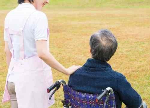 高齢者の外出付き添い
