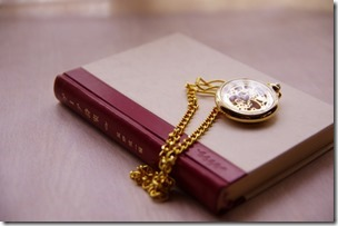 書籍と懐中時計