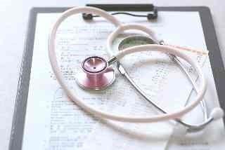 聴診器とバインダー