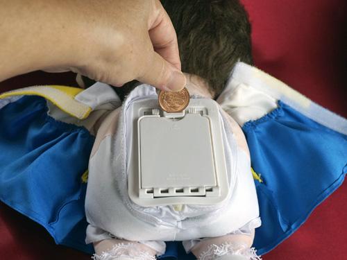 しゃべる人形のんちゃんの電池ボックス