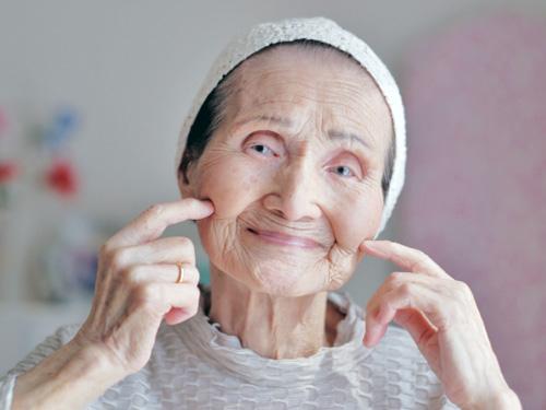 にこにこおばあちゃん