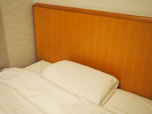 ベッドと枕と布団